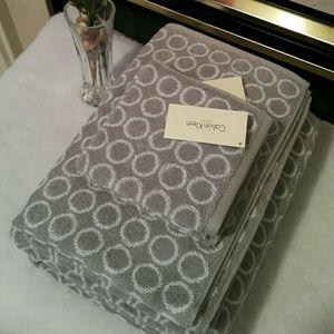 CALVIN KLEIN Home towels set